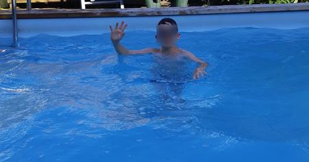 piscine traitée naturellement avec le floculant liquide BioFloc-Plus d'origine naturelle
